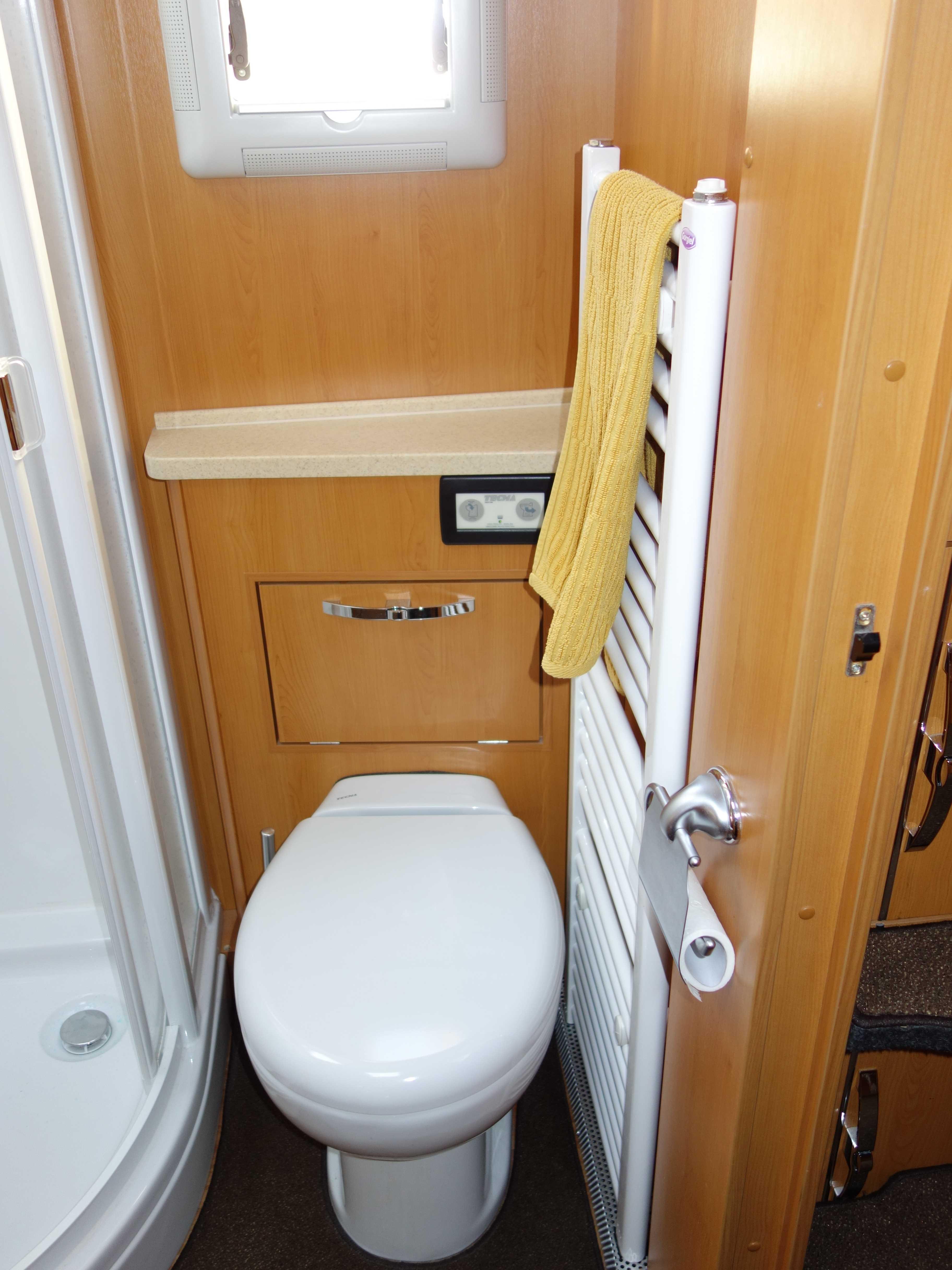 PhoeniX 8000 Toilette