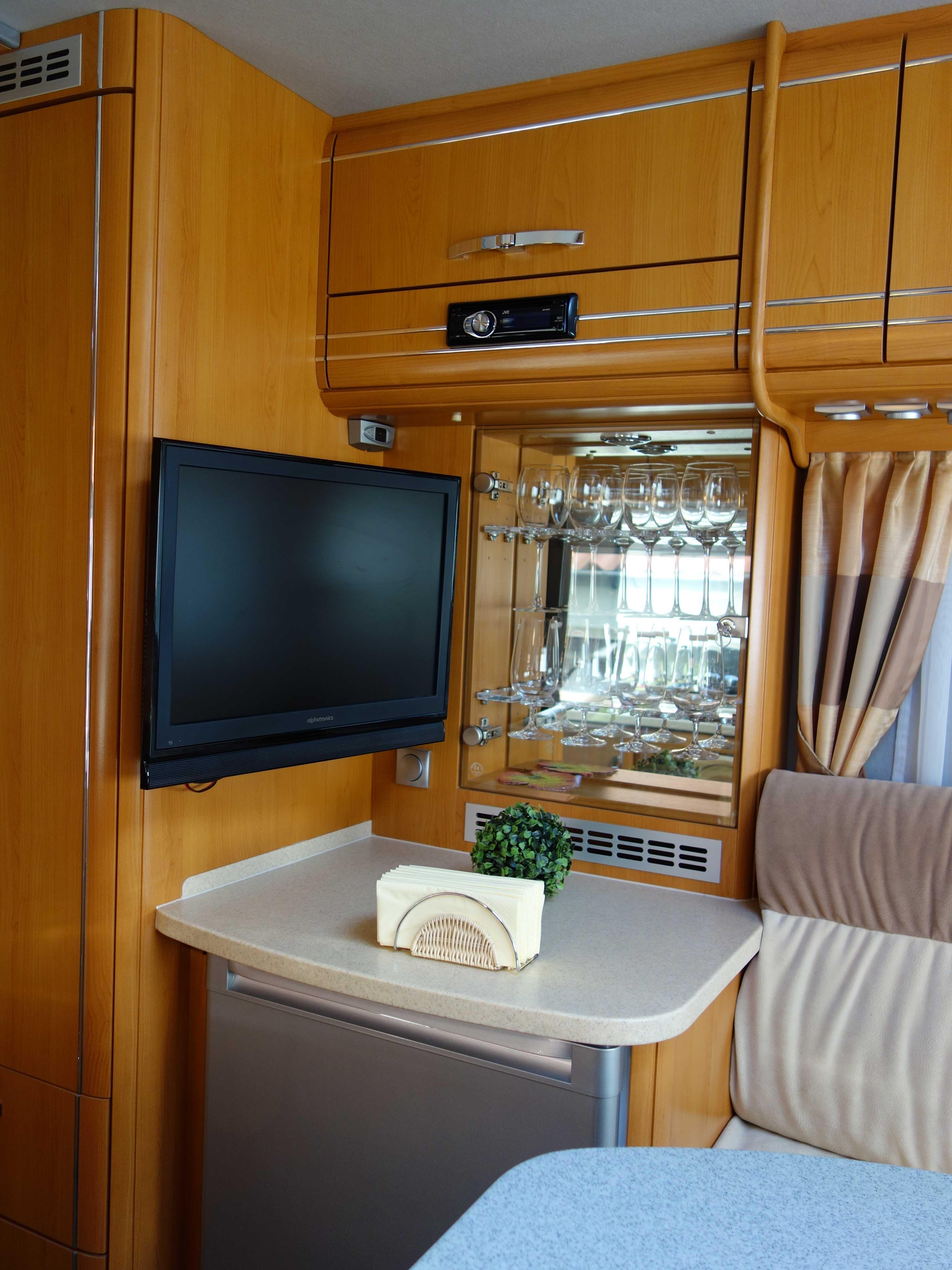PhoeniX 8000 Flat TV